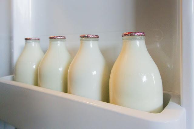 ceny detaliczne na sprzedaż online konkretna oferta Mleko! Ile prawdy jest w stawianych mu zarzutach? Pić, czy ...