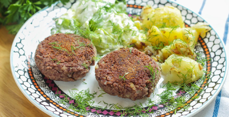 wegetariańskie burgery z czerwonej fasoli